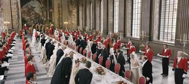 Thiết kế hình ảnh và mỹ thuật trong phim được đặc biệt chú trọng, nổi bật trong đó là bữa tiệc hoàng gia xa hoa được khắc họa tinh tế, chân thực