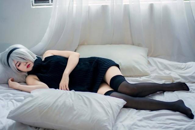 Suýt trớ sáng thứ Bảy với loạt ảnh cosplay cô nàng 2B đầy táo bạo và gợi cảm - Ảnh 16.