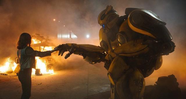 Thông minh, gợi cảm và mạnh mẽ, 5 bóng hồng sau đây đã khuynh đảo màn ảnh rộng với loạt phim Transformers - Ảnh 12.