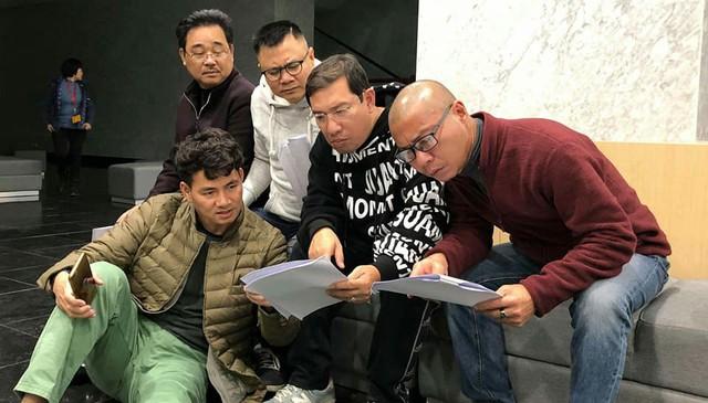 Hé lộ hình ảnh buổi tập đầu tiên của Táo Quân 2019 - Ảnh 2.