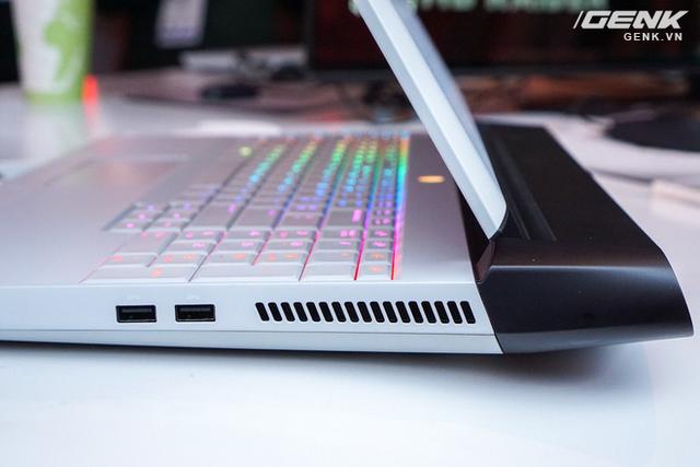 [CES 2019] Dell trình làng laptop Alienware Area m51 với cấu hình khủng, thiết kế cyberpunk, giá từ 2.550 USD - Ảnh 3.