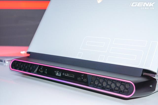 [CES 2019] Dell trình làng laptop Alienware Area m51 với cấu hình khủng, thiết kế cyberpunk, giá từ 2.550 USD - Ảnh 4.