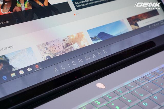 [CES 2019] Dell trình làng laptop Alienware Area m51 với cấu hình khủng, thiết kế cyberpunk, giá từ 2.550 USD - Ảnh 8.