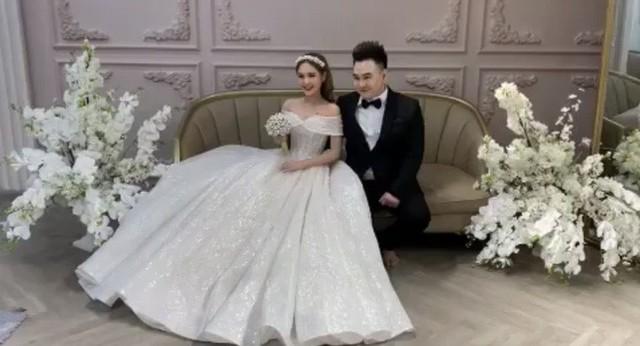 Lộ ảnh cưới của streamer nổi tiếng Xemesis và bạn gái hot girl kém 13 tuổi: Ngày về chung nhà đã không còn xa - Ảnh 4.