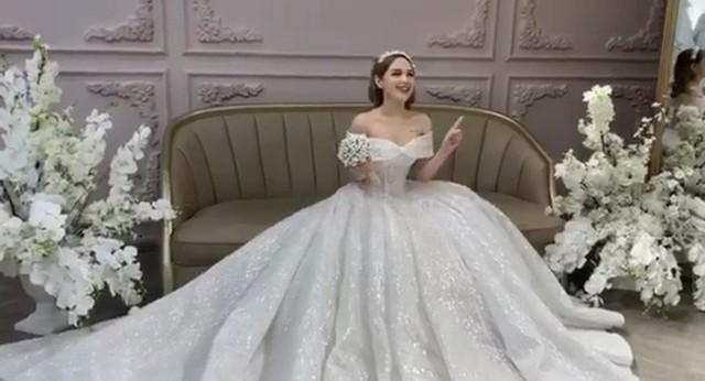 Lộ ảnh cưới của streamer nổi tiếng Xemesis và bạn gái hot girl kém 13 tuổi: Ngày về chung nhà đã không còn xa - Ảnh 6.