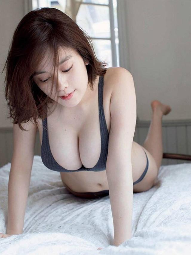 Đây chính là hot girl sở hữu đôi gò bồng đảo cup H cực phẩm, đẹp phồn thực nhất Nhật Bản - Ảnh 2.