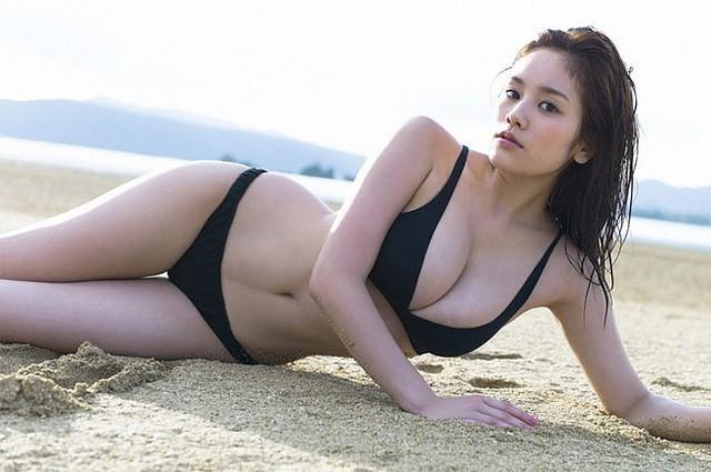 Đây chính là hot girl sở hữu đôi gò bồng đảo cup H cực phẩm, đẹp phồn thực nhất Nhật Bản - Ảnh 6.