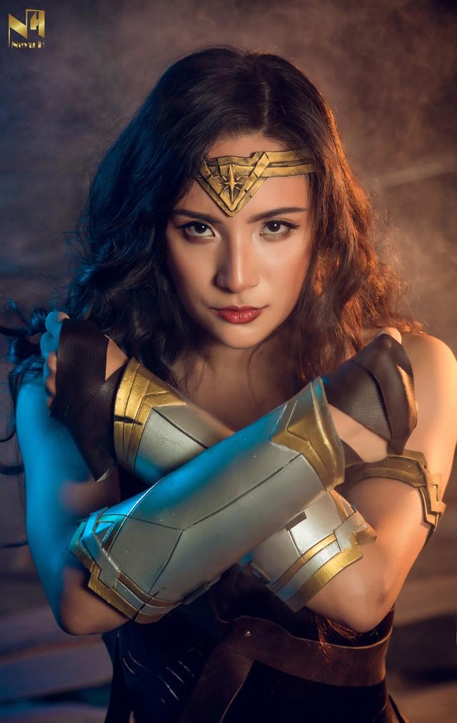 Xem loạt ảnh cosplay Wonder Woman đầy khí chất Chị Đại của coser người Việt Neyu H - Ảnh 3.
