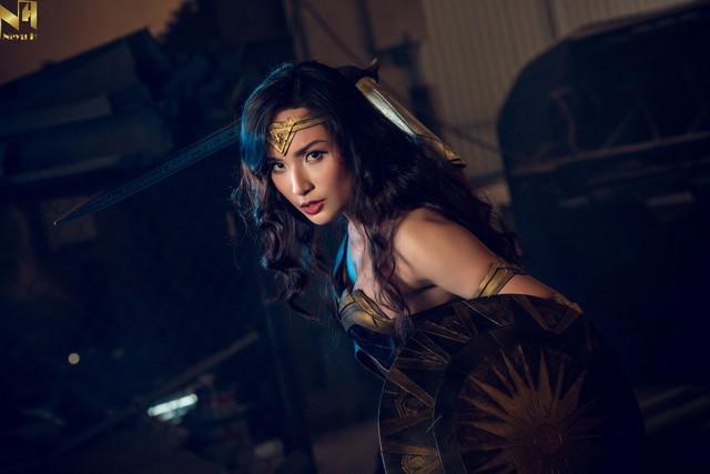 Xem loạt ảnh cosplay Wonder Woman đầy khí chất Chị Đại của coser người Việt Neyu H - Ảnh 2.