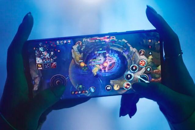 [Vietsub] Hé lộ Liên Minh Huyền Thoại Mobile, chơi được cả trên di động và PS4 - Ảnh 1.