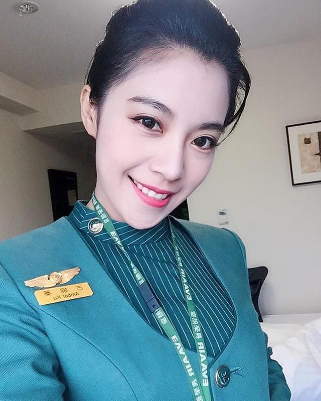Cận cảnh nhan sắc xinh đẹp của 4 nữ tiếp viên hàng không bốc lửa nhất Đài Loan - Ảnh 8.