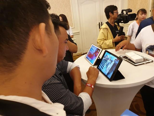 Họp báo Cửu Kiếm 3D và những keyword ấn tượng: Dàn PC 200 triệu, Kim Minh Huy, gái xinh, người mẫu Tây, vị thế bom tấn và một cộng đồng máu chiến - Ảnh 4.