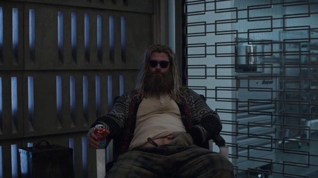 Marvel tranh cãi kịch liệt về tạo hình bụng bia của Thần Sấm trong Thor Love and Thunder - Ảnh 1.
