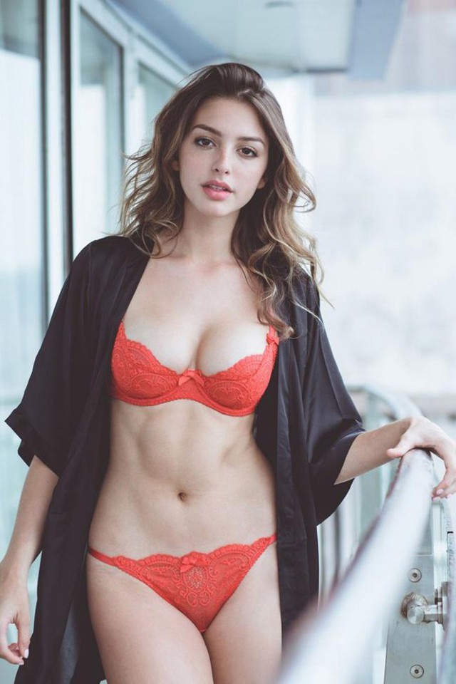 Cận cảnh nhan sắc quyến rũ của hot girl nóng bỏng và gợi cảm số một mạng xã hội - Ảnh 5.