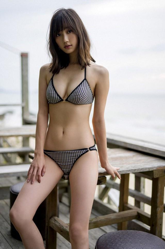 Các mỹ nhân Nhật có gương mặt ngây thơ nhưng body bốc lửa khó tin - Ảnh 15.