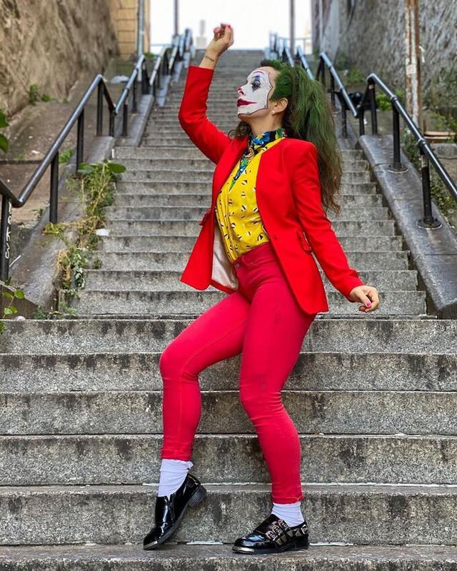 Người dân bức xúc khi chiếc cầu thang vô danh trong Joker bất ngờ trở thành điểm hút khách du lịch - Ảnh 1.