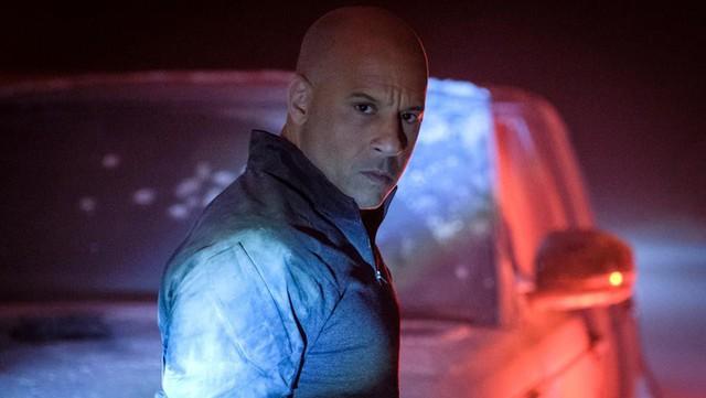 Chán làm quái xế Vin Diesel hóa thân thành siêu anh hùng trong trailer mới của Bloodshot - Ảnh 1.