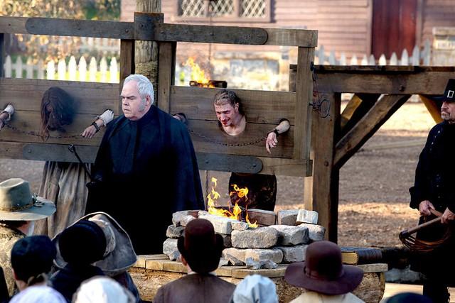 Thị trấn bị nguyền rủa Salem: Nguồn gốc của phù thủy và ma thuật hắc ám - Ảnh 4.