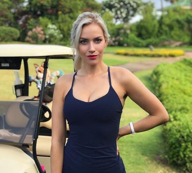 Nhan sắc nữ golf thủ nóng bỏng, mặc áo khoe ngực tới mức bị dọa giết vì quá quyến rũ - Ảnh 2.