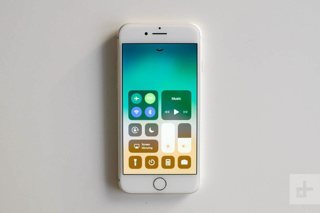 Thông tin rò rỉ về iPhone SE 2 tiếp tục bị lộ: Kiểu dáng như iPhone 8 nhưng phần cứng lại mạnh như iPhone 11? - Ảnh 1.