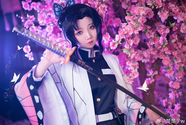 Trùng trụ Kochou Shinobu thoát tục tựa tiên nữ qua loạt ảnh cosplay đẹp mê hồn - Ảnh 9.