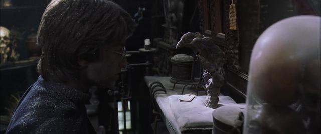 5 nguyên liệu luyện bùa ngải được làm từ cơ thể con người: Từ phép Voodoo cho đến Thiên Linh Cái - Ảnh 4.