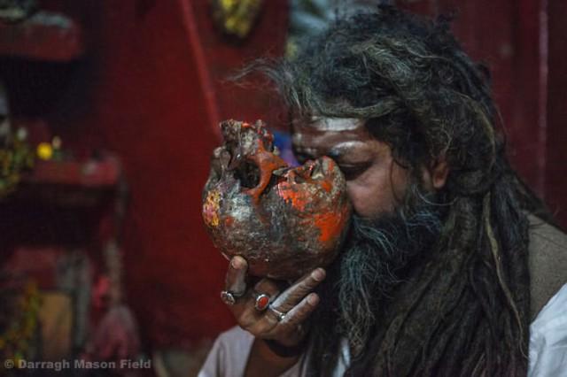 5 nguyên liệu luyện bùa ngải được làm từ cơ thể con người: Từ phép Voodoo cho đến Thiên Linh Cái - Ảnh 2.
