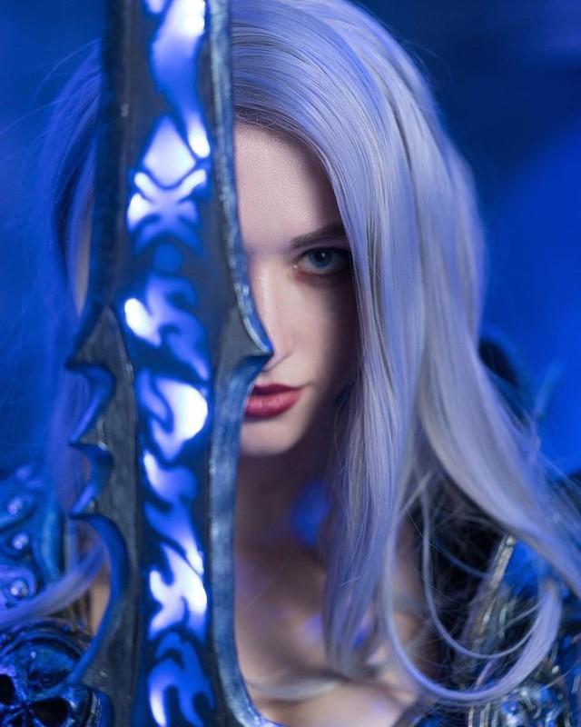 """[Cosplay] Đốt mắt với Arthas phiên bản nữ """"căng mọng"""" - Ảnh 5."""