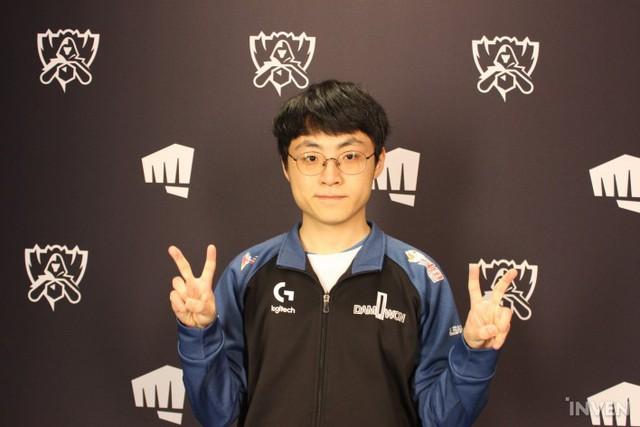LMHT: Trầm trồ với pha phối hợp IQ vô cực của Damwon Gaming khiến Lowkey Esports thất bại - Ảnh 1.