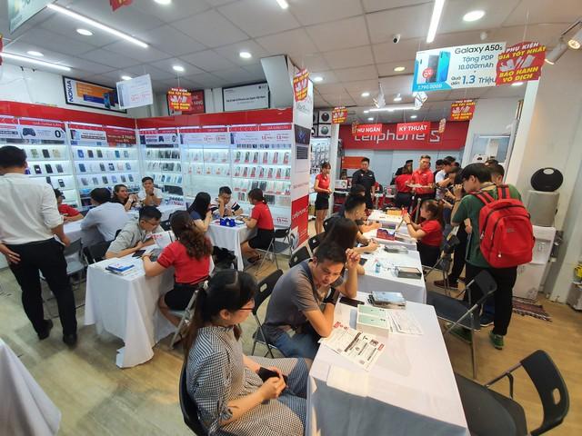 Dàn iPhone 11 chính hãng đã cập bến Việt Nam, giá 44 triệu đồng cho chiếc khủng nhất - Ảnh 5.