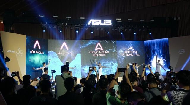 Một vòng Asus Expo 2019 kỷ niệm 30 năm thành lập tại Việt Nam: Cả loạt sản phẩm công nghệ cao sẽ khiến game thủ đê mê - Ảnh 1.