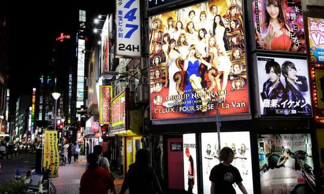 Các thiếu nữ trở thành tầm ngắm của ngành công nghiệp người lớn ở Nhật Bản: Ước mơ làm người nổi tiếng chớp mắt trở thành bi kịch - Ảnh 6.