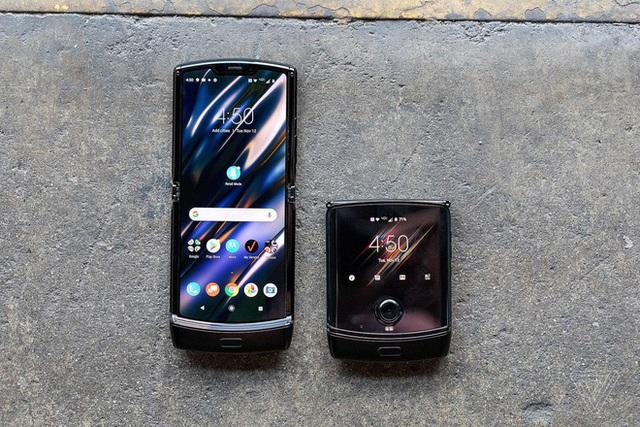 Motorola Razr chính thức được hồi sinh với hình hài của một chiếc smartphone Android màn hình gập, giá 1.500 USD - Ảnh 2.
