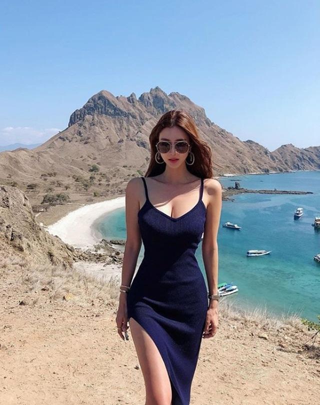 Mặt xinh, vòng một đẹp, nhà giàu, cô nàng blogger này đích thị là cực phẩm crush của giới game thủ - Ảnh 5.