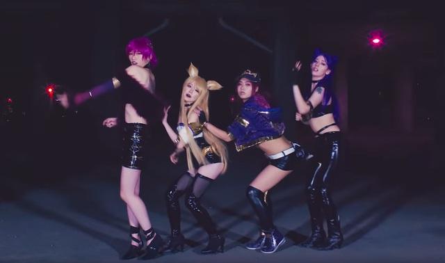 LMHT: Đội cosplay tái hiện lại màn vũ đạo của K/DA cực gợi cảm khiến fan mắt tròn mắt dẹt - Ảnh 1.