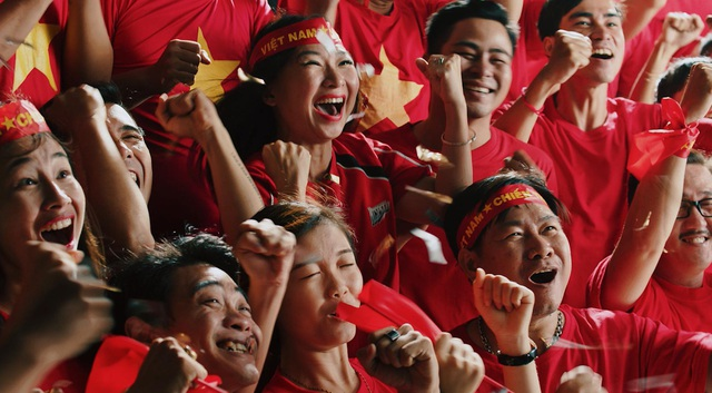 Đội hình tuyển Việt Nam xuất hiện trong trailer bom tấn, EA Sports phá lệ buff cực khủng cho Quang Hải, Công Phượng... - Ảnh 5.