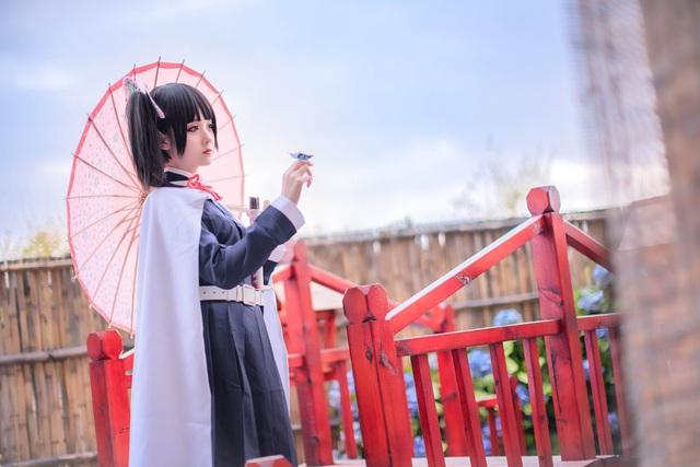 Ngắm mỹ nhân Kimetsu no Yaiba đẹp thoát tục bước ra đời thật - Ảnh 6.