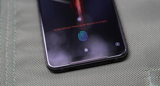 Nắn tận tay ROG Phone 2: Smartphone gaming hơn 20 triệu liệu chơi có sướng như lời đồn - Ảnh 3.