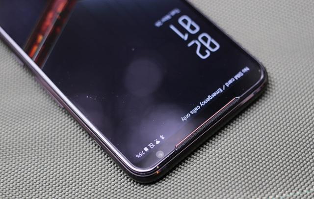 Nắn tận tay ROG Phone 2: Smartphone gaming hơn 20 triệu liệu chơi có sướng như lời đồn - Ảnh 2.