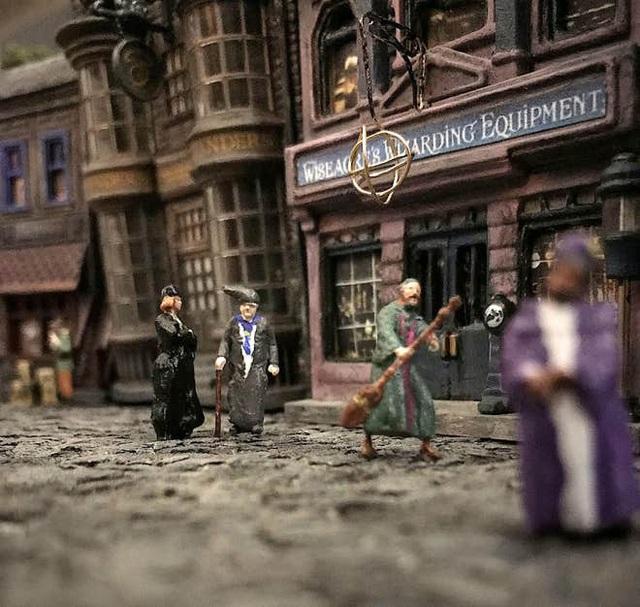Quá đam mê Harry Potter, ông bố 4 con tự tạo ra mô hình thế giới phù thủy độc nhất vô nhị - Ảnh 3.
