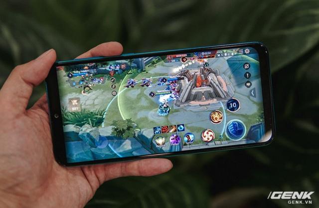 """Chiến Liên Quân Mobile, Asphalt 9 cả ngày với Galaxy M30s: Viên pin 6000mAh """"thần thánh"""" đến mức nào? - Ảnh 3."""