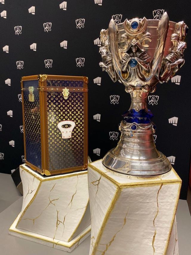 LMHT: Lộ diện hộp đựng cup vô địch CKTG 2019 Louis Vuitton, trận Chung kết thế giới sẽ ngập tràn hàng hiệu - Ảnh 5.