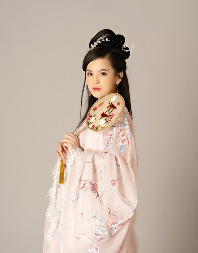 JX1 Huyền Thoại Võ Lâm khiến game thủ tròn mắt với màn cosplay xinh không tỳ vết của Thánh Nữ Trang Phi - Ảnh 4.
