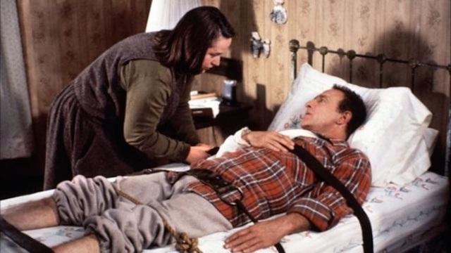 Nếu yêu thích vũ trụ kinh dị của Stephen King, đây là 5 bộ phim kinh điển bạn không thể bỏ lỡ - Ảnh 3.