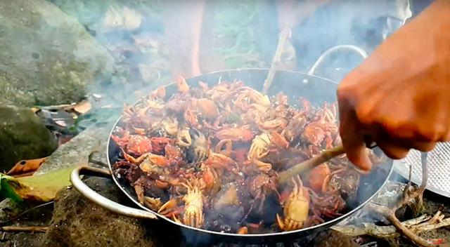 Youtuber nghị lực nhất Việt Nam: ở nhà tre nứa, làm phụ hồ nhưng vẫn gây dựng được channel ẩm thực hơn 760k subscribers - Ảnh 29.