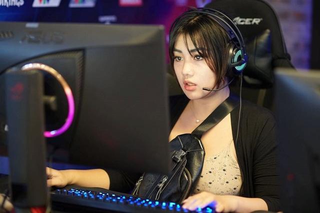 Mặt xinh dáng đẹp, hot girl CS:GO này chính xác là hình mẫu người yêu trong mơ của mọi game thủ Việt - Ảnh 1.
