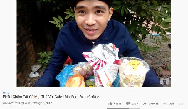 Làm video Chấm tất cả mọi thứ với cafe, kênh Youtube PHD Troll cán mốc kỷ lục 207 triệu view chỉ với một clip - Ảnh 4.