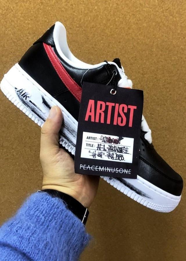 Chụp ảnh cùng sếp lớn của T1, Faker khoe nhẹ đôi giầy siêu hot mang thương hiệu G-Dragon giá hơn 90 triệu đồng - Ảnh 8.