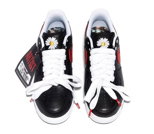 Chụp ảnh cùng sếp lớn của T1, Faker khoe nhẹ đôi giầy siêu hot mang thương hiệu G-Dragon giá hơn 90 triệu đồng - Ảnh 3.