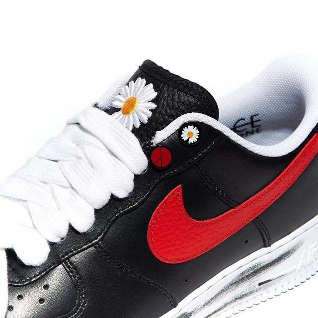 Chụp ảnh cùng sếp lớn của T1, Faker khoe nhẹ đôi giầy siêu hot mang thương hiệu G-Dragon giá hơn 90 triệu đồng - Ảnh 4.